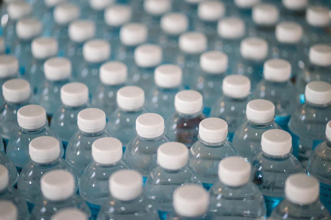 Komunikacja marketingowa | Walka z plastikiem trwa – 5 gorących tematów kwietnia | Paulina Głąb