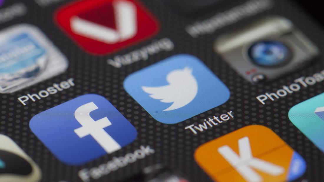 Social media | Jak radzić sobie z kryzysem w social media? Poznaj zasadę 5P | Klaudia Zimowska